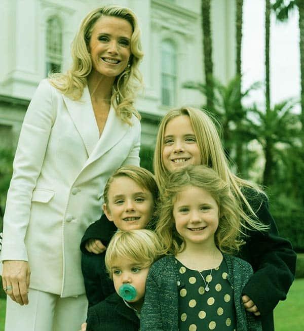 Image of Jennifer Lynn Siebel with her kids